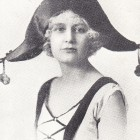 Doris Lemon as Nedda