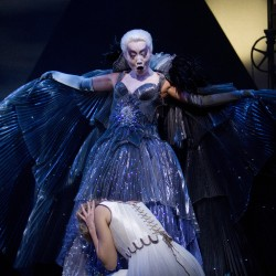 Mari Moriya (Queen of the Night) and Laure Mitchell (Pamina)