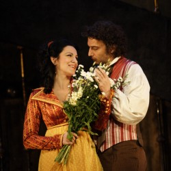 Gheorghiu as Tosca, Kaufmann as Cavaradossi